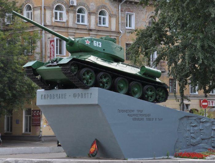В Кирове отреставрируют танк на Октябрьском проспекте