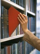 Заключенным на Новый год подарили библиотеку
