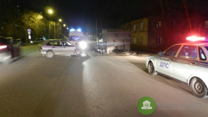 Двое детей госпитализированы в результате столкновения «легковушки» с КамАЗом