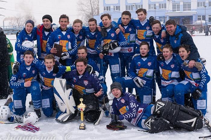 Хоккеисты кировской «Родины» стали чемпионами России среди младших юношей