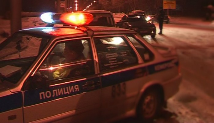 Пьяного лихача на ВАЗе остановили выстрелы по колесам автомобиля