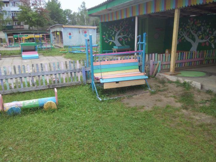 В одном из детских садов п. Восточный девочка сломала ногу, следователи считают, что это произошло по вине заведующей