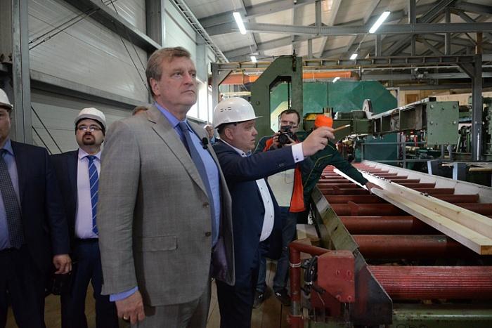 В Опаринском районе запустили первую очередь деревообрабатывающего производства