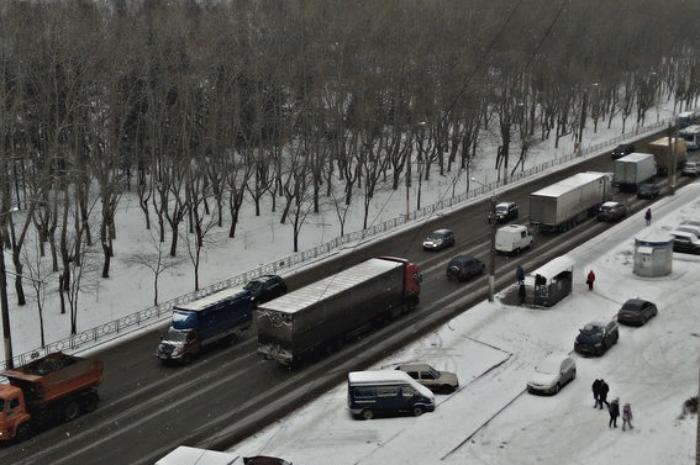 Из-за акции дальнобойщиков в Кирове большие пробки