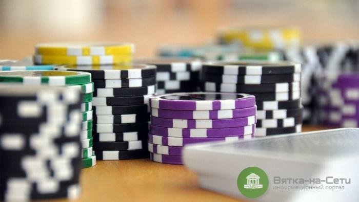 Владелец нелегального покер-клуба в Кирове заплатит почти 600 тысяч рублей