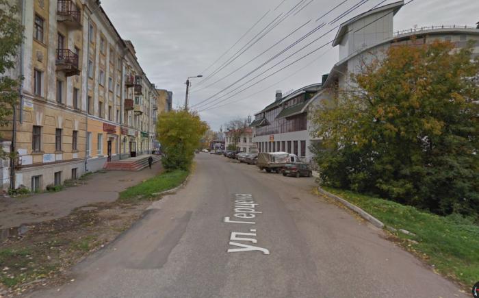 На улице Герцена продлено ограничение движения транспорта