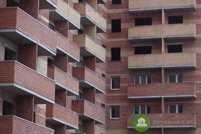 В Кирове за завершение долгостроев подрядчики получат участки земли бесплатно
