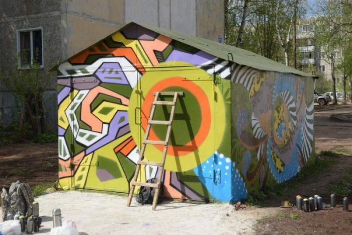 Гараж велокоманды «Кентавр» оформили в стиле граффити
