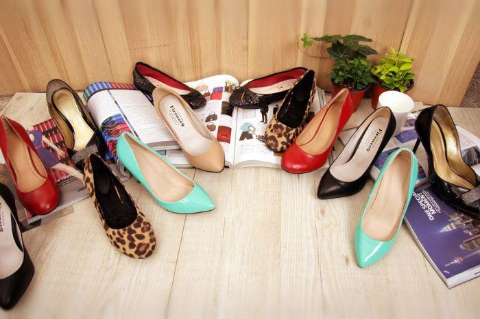 С чем носить классические туфли лодочки