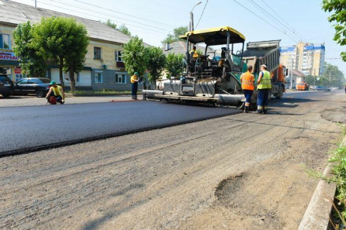 Дорогу Сошени-Радужный подрядчик обещает выровнять к Дню строителя