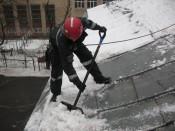 В Кирове стартовал месячник очистки кровель от снега
