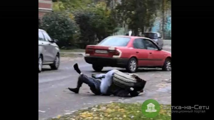 В Нововятске два водителя подрались прямо на проезжей части (видео)