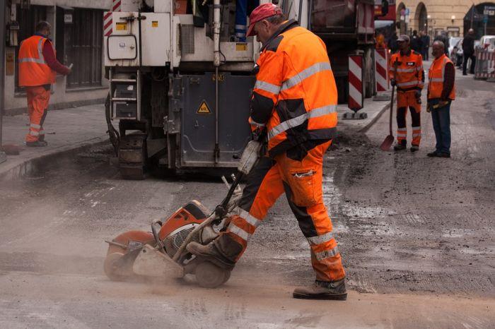 В 2017 на ремонт дорог в Кирове выделят в 8 раз больше средств, чем в прошлом году