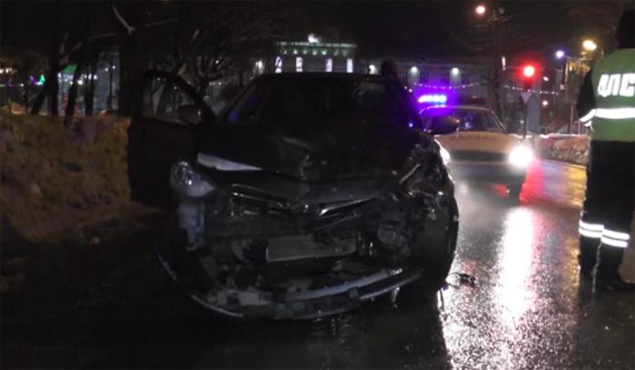 В Кирове секс в машине во время езды закончился массовым ДТП