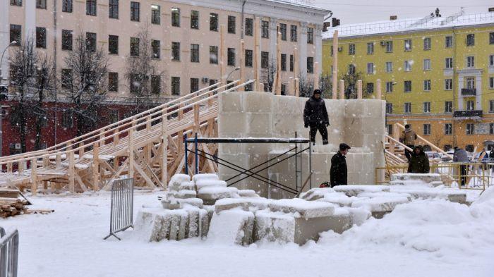 На праздничное оформление города выделено 13 млн рублей