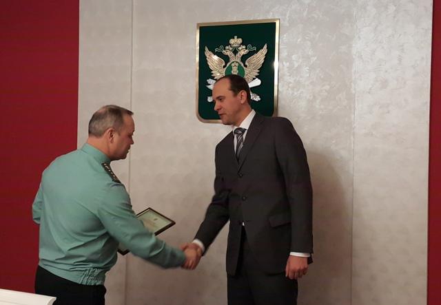 Служба судебных приставов зарегистрировала первую коллекторскую компанию