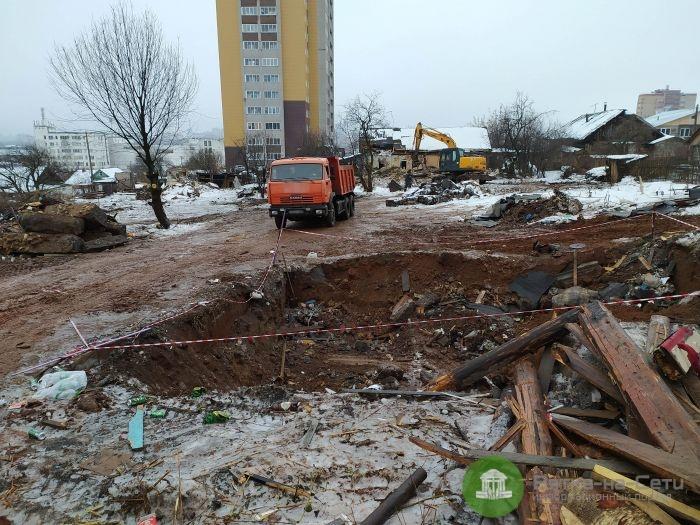 Кировчане жалуются на ямы в районе ОЦМ после сноса домов