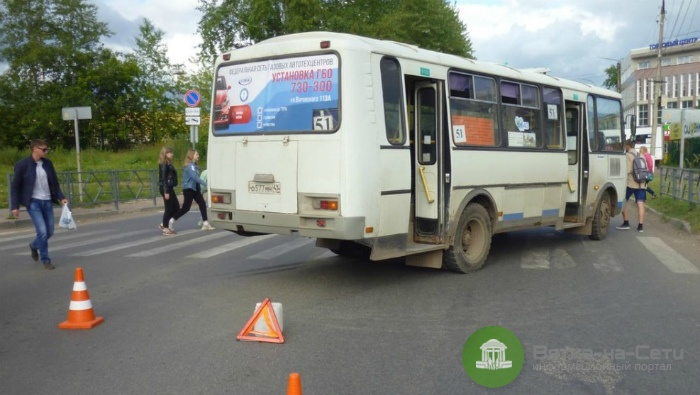 По ДТП с автобусом на ул. Дзержинского проводится служебная проверка