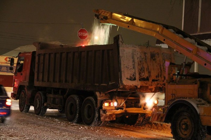Уборка улиц в ночь на 29 января
