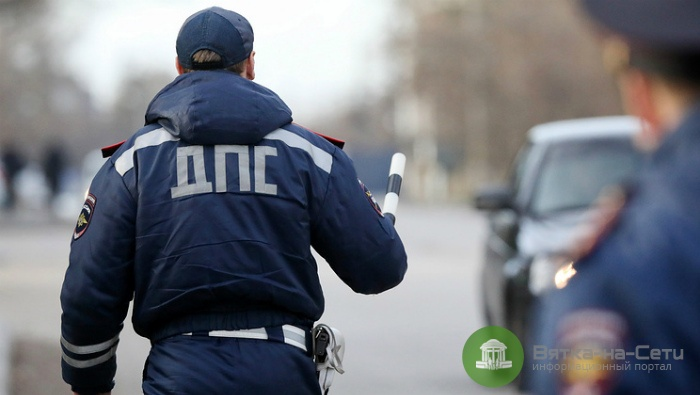 В Кирово-Чепецке 19-летний водитель врезался в полицейскую машину