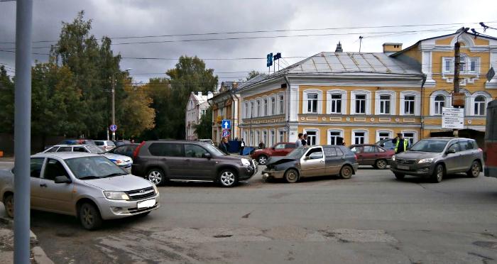 За выходные в Кирове произошло 112 ДТП