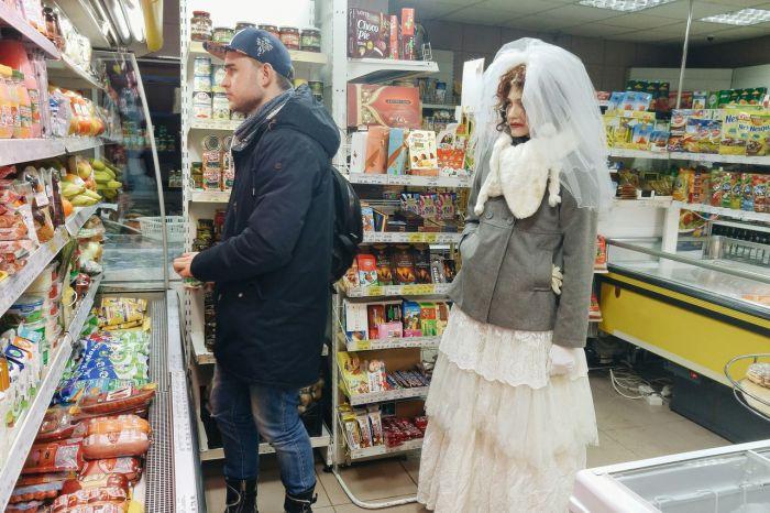 Странная невеста бродит по Кирову