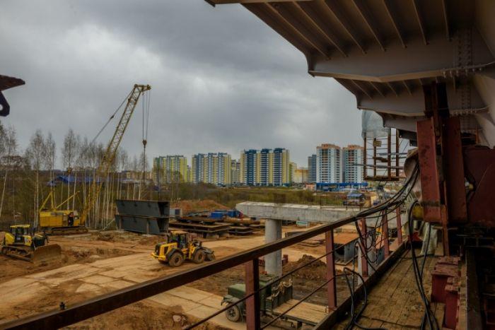 Строительство путепровода: жильцы дома на ул. Попова препятствуют работам
