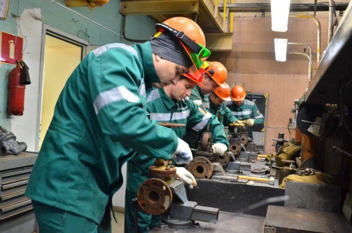 Слесари-ремонтники филиала «КЧХК» доказали свое мастерство