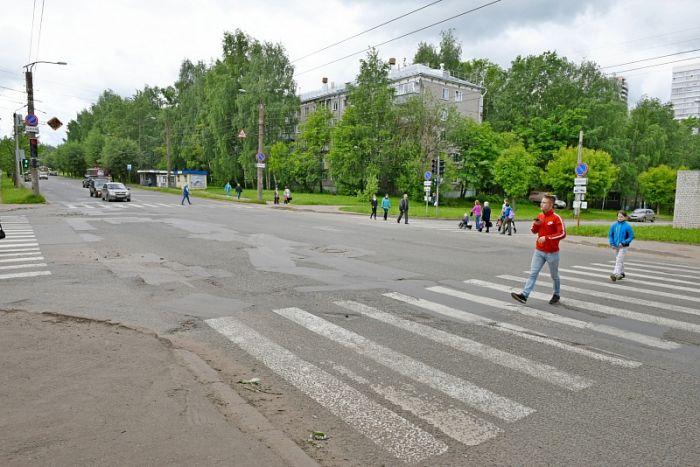 На перекрёстке улиц Попова и Калинина изменилось светофорное регулирование