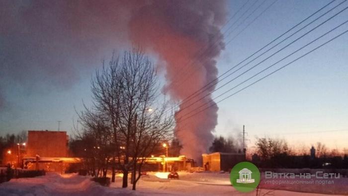 В Кирове на улице Солнечной произошел прорыв теплотрассы