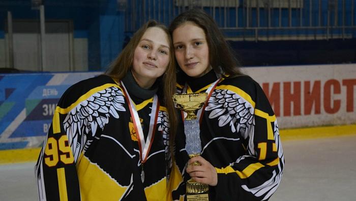 Кировские хоккеистки стали призерами турнира ПФО
