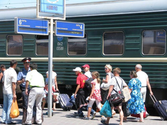 Для школьников действует скидка 50% на проезд в поездах дальнего следования