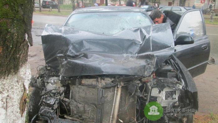 В Нововятске три человека пострадали в столкновении иномарки и рейсового автобуса