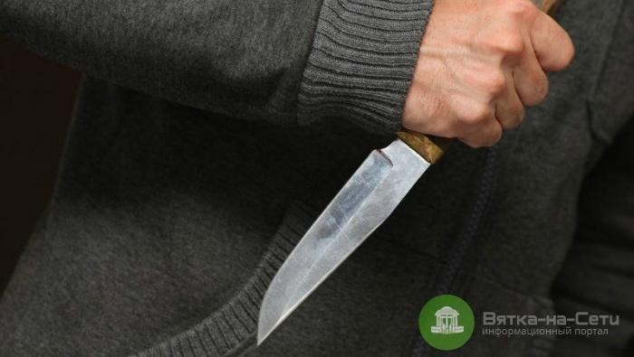 В Вятских Полянах мужчина напал с ножом на пенсионерку