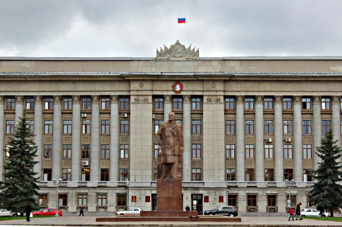 Самый обеспеченный министр Кировской области заработал 6,8 млн рублей