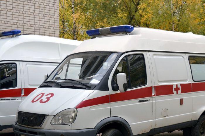 Кировчанин угрожал бригаде скорой помощи вилкой и напильником