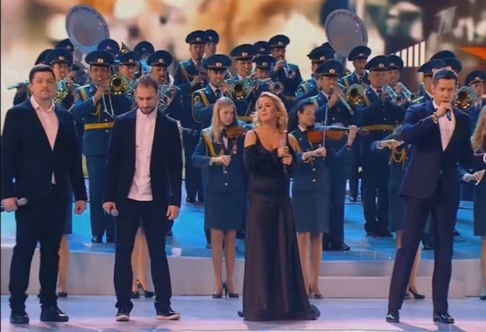 «Роднополисы» спели со Стасом Пьехой на Первом канале (видео)