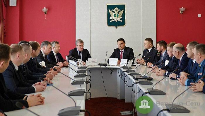 В Кирове представили и. о. главного судебного пристава региона