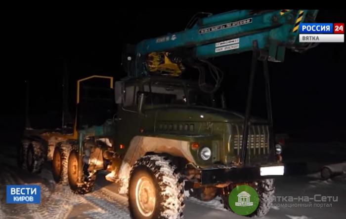 В Демьяново бревно упало с лесовоза на легковушку: водитель погиб