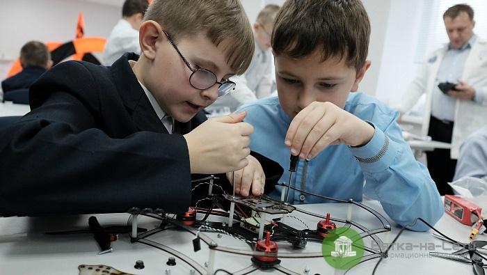 В Кировской области открыли детский технопарк «Кванториум»