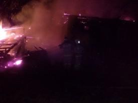 Житель Омутнинска вынес из горящего дома пятилетнего малыша