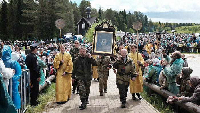 В Божественной литургии в Великорецком приняли участие порядка 55 тысяч паломников