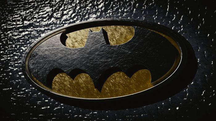 Футболки с логотипом Batman