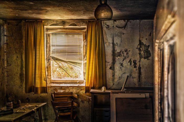 Экс-главу сельского поселения будут судить за махинации с аварийным жильем