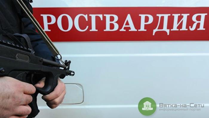 В Кирове посетитель магазина угрожал ножом продавцу