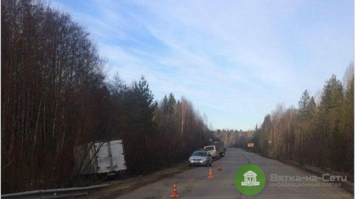 В Омутнинском районе водитель умер за рулем грузовика