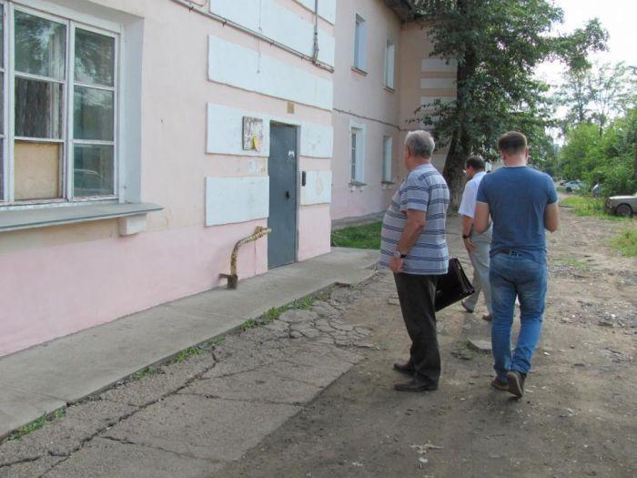 Общественники осмотрели отремонтированные дома в рамках программы капремонта