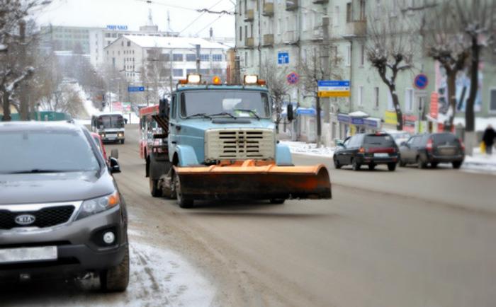 Глава горадминистрации остался недоволен работой подрядчиков по очистке улиц от снега