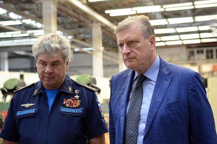 Главком ВКС Виктор Бондарев стал членом СовФеда от Кировской области