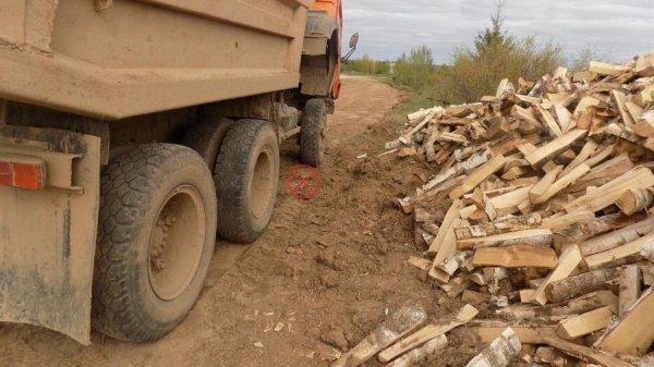 В Кировской области большегруз насмерть переехал мужчину